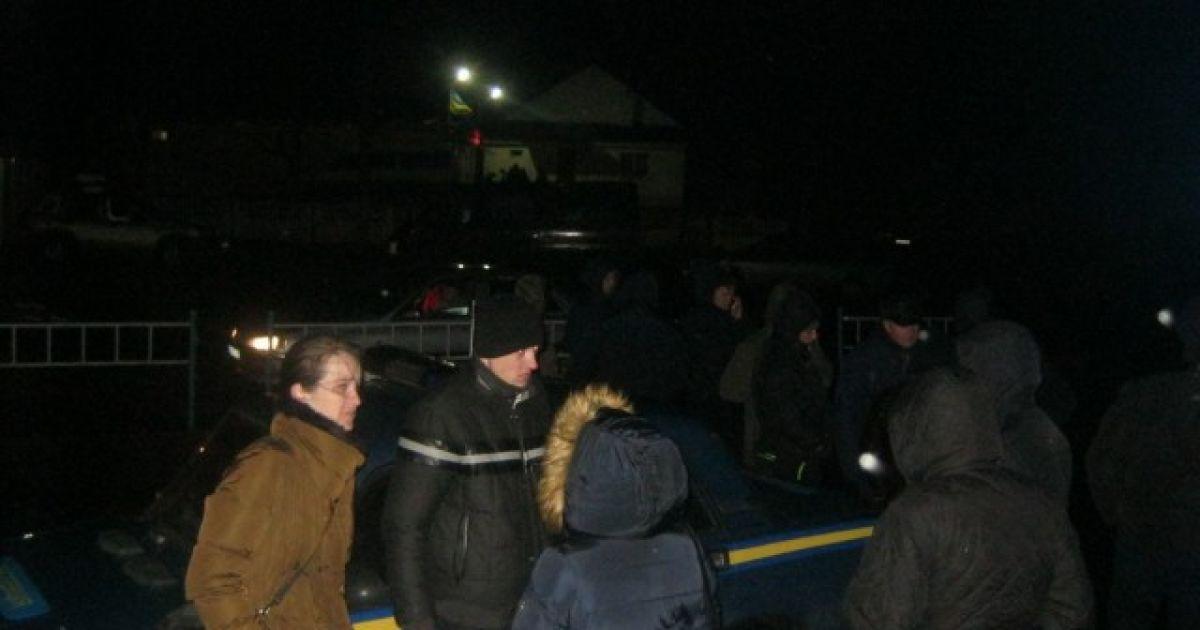 Родичі бійців ледь не почали штурмувати митний пункт @ volynnews.com