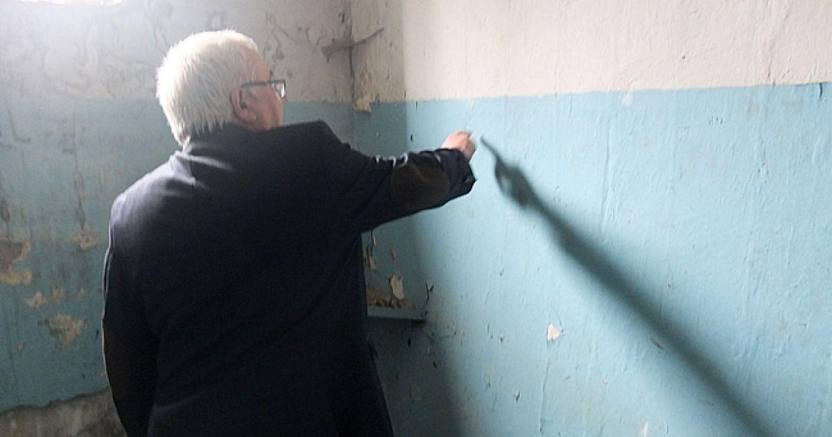 Стіни тортур відмивали від запеченої крові