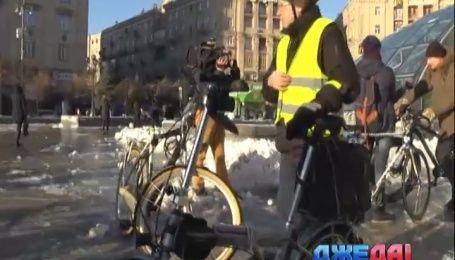 Киевляне на один день пересели на велосипеды