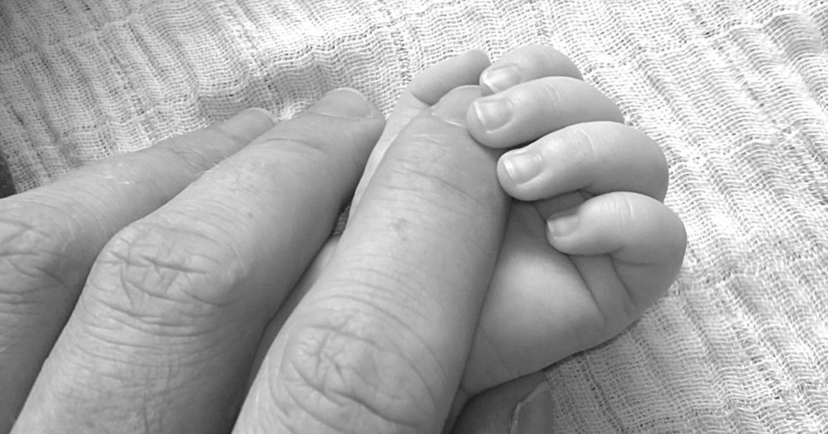 В Дзержинске арестовали женщину, которая до смерти забила свою 2-летнего ребенка