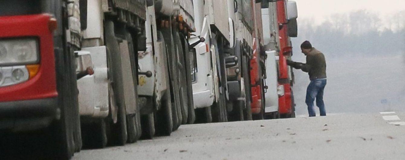 Російські фури вільно проїжджають Україною - Мінінфраструктури