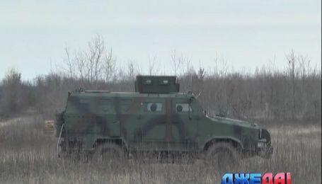 На полигоне под Киевом отечественные бронемашины прошли проверку на прочность