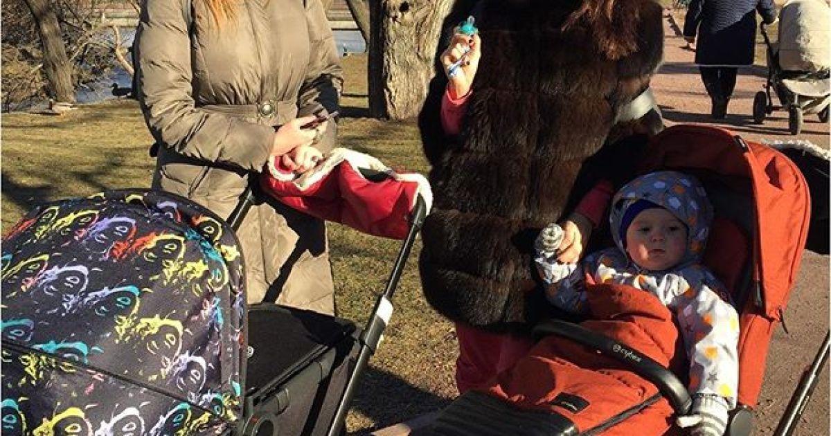 Віка та Слава з «НЕАНГЕЛІВ» відпочили із малюками Камінської @ instagram.com/vikanablack