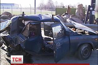 """В """"Тойоте"""" с аварии на Кольцевой обнаружили мини-нарколабораторию"""