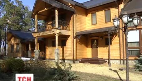 Неизвестные разворовали полностью охотничьи угодья Януковича