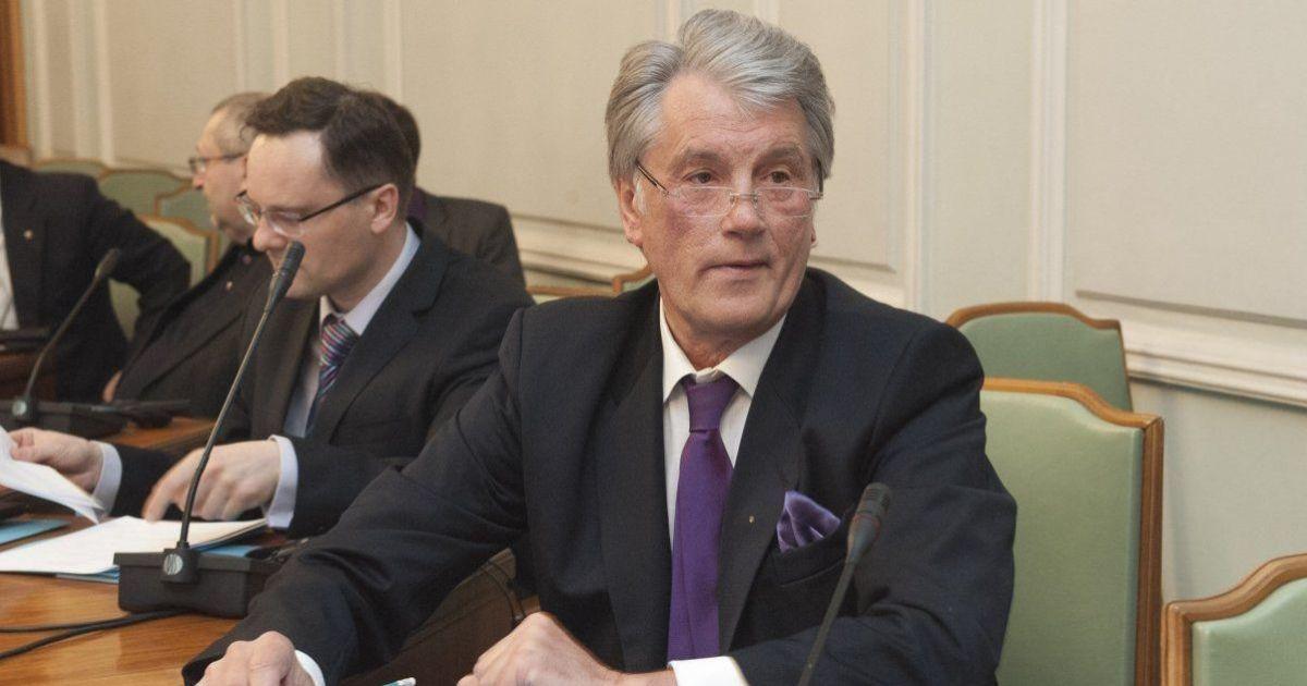 """Ющенко поставив діагноз економіці, """"призначив лікування"""" та назвав винного в падінні гривні"""