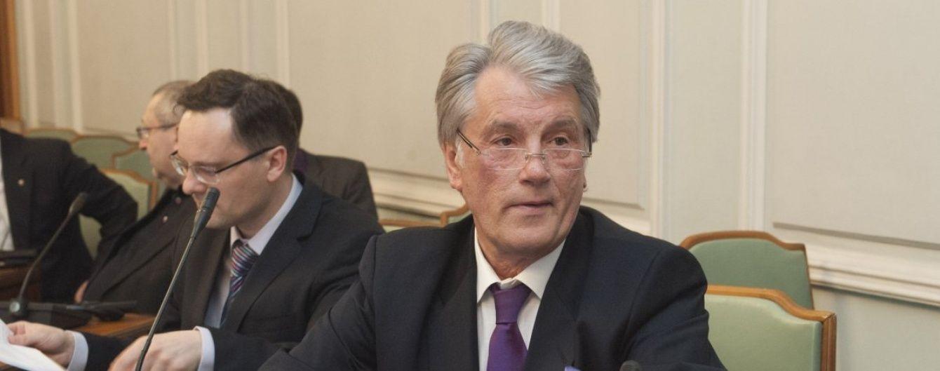 Бібліотека і хата-мрія для Шевченка: Ющенко розповів, чим займається на пенсії