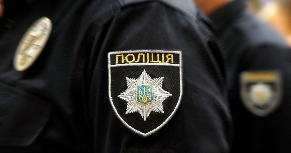 В Киеве неизвестные дерзко угнали арестованные иномарки со стоянки возле управления полиции