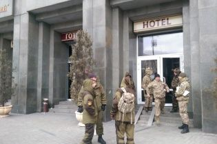 """До готелю """"Козацький"""" прибув заступник міністра оборони"""