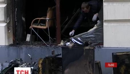 Сразу два российских банка подожгли минувшей ночью во Львове