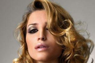Бьюти-лайфхак: завивка волос с помощью туалетной бумаги