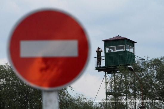 На кордоні зі Словаччиною тимчасово не працюватиме пункт пропуску