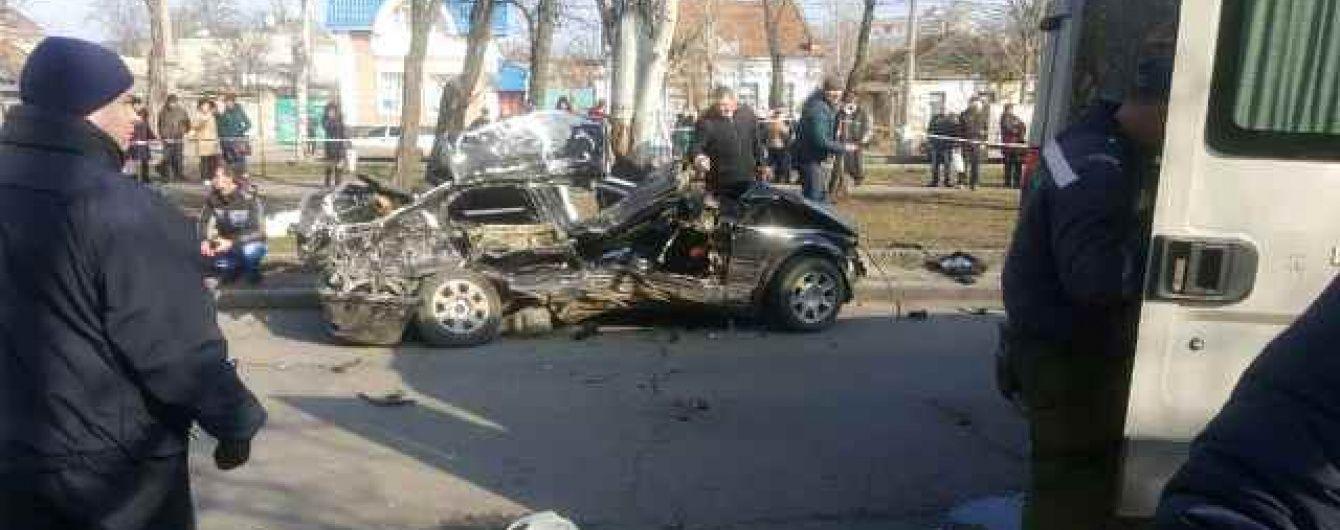 У Миколаєві через жахливу аварію затримали поліцейського