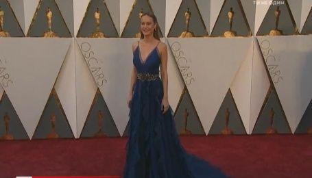 У що вбралися зірки для церемонії вручення «Оскар»