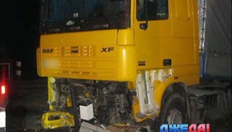 Роковое столкновение грузовика и легковушки произошло на Волыни