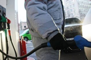 Сколько стоит заправить авто на АЗС утром 17 ноября