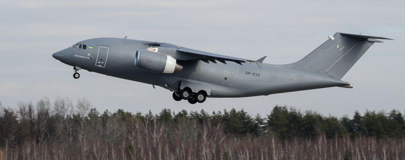 Азербайджан придбає в України 10 літаків Ан-178