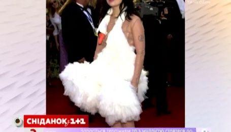 Самые эпатажные наряды звезд за всю историю кинопремии «Оскар»