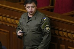 Люди Семенченко вышли с пикетами под фабрику Порошенко