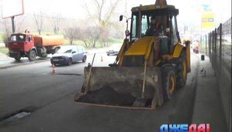 Какие дороги уже коммунальщики отремонтировали в Киеве