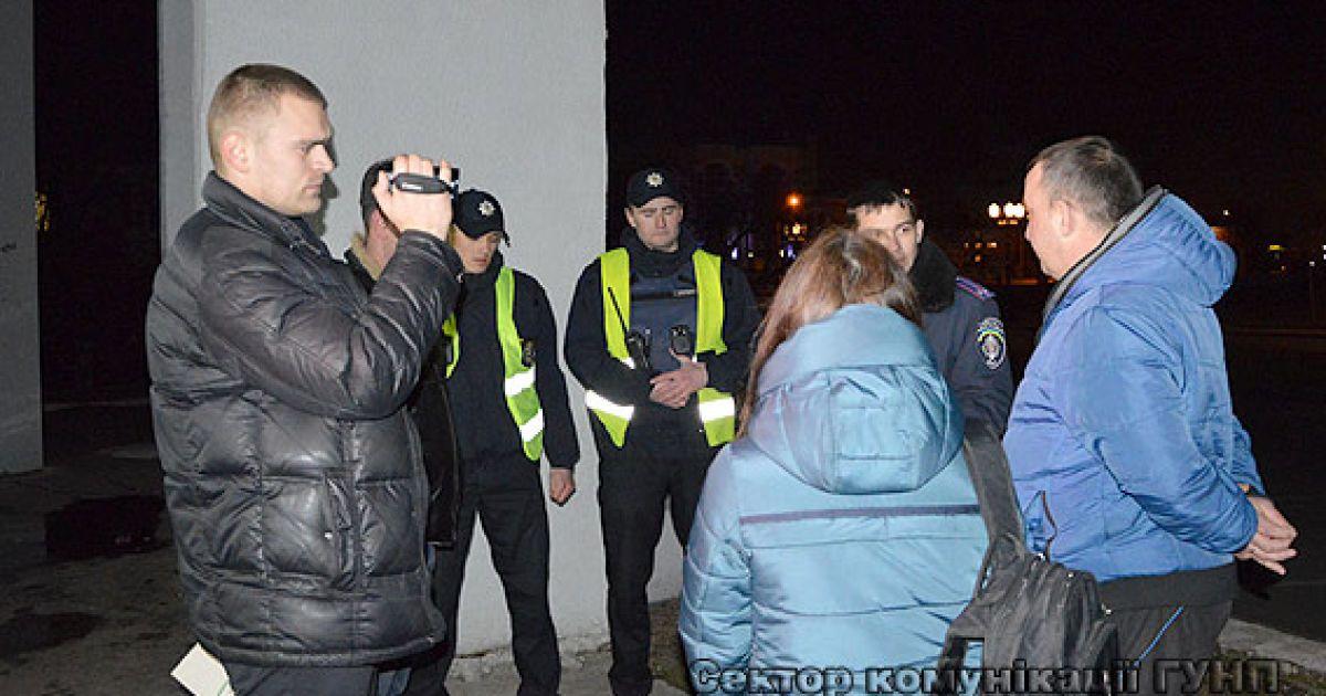 Мужчина стрелял в сторону группы людей @ ГУ Нацполиции в Волынской области