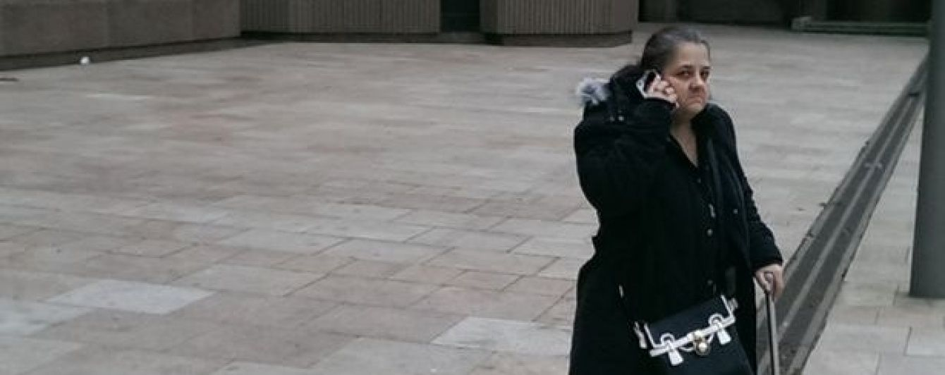 Няню з Англії звинуватили в сексуальному насильстві над трьома дітьми