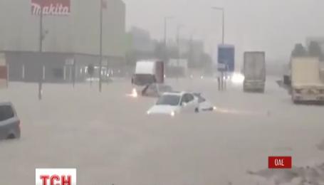 Улицы Дубая затоплены из-за непогоды