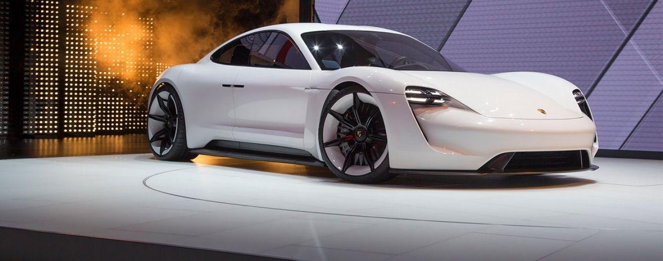 Porsche расширяет сеть заправок для электрокаров