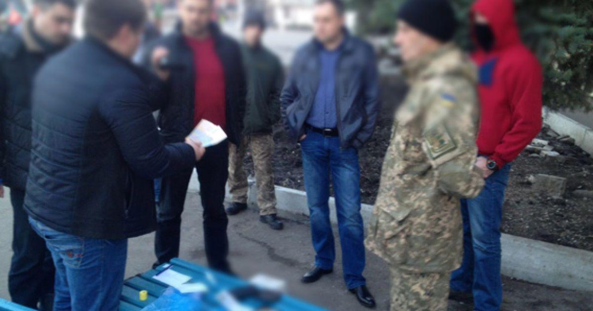 """Хабарника затримали """"на гарячому"""" @ Національна поліція України"""