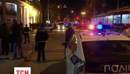 """В Одессе возле рынка """"Привоз"""" несколько вооруженных бандитов напали на инкассаторов"""