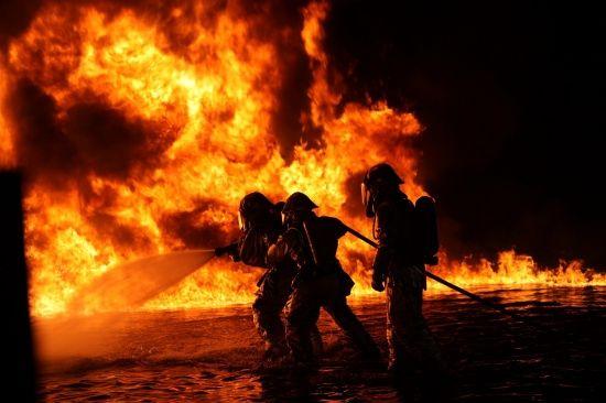 У Києві спалахнула пожежа в ресторані