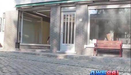 Бельгиец из магазина сделал собственный гараж