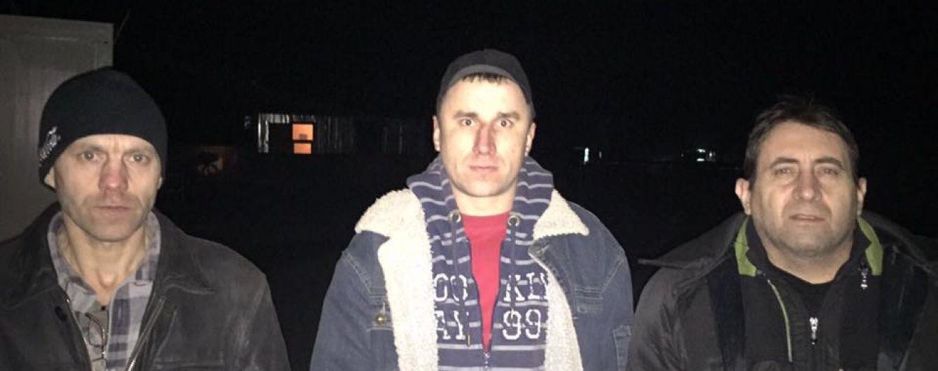 З'явилися фото і перші подробиці визволення трьох українців з полону бойовиків
