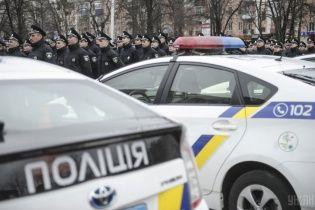 В Одесской области четверо мужчин напали на полицейских и забрали их авто