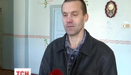 Трое освобожденных из плена уже на пути в Киев