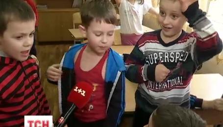 Родители объявили бойкот столичной школе из-за агрессивного ученика первого класса