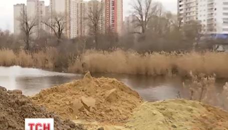 Озеро на Позняках в Киеве собрались превратить в очередную высотку