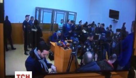Савченко запела революционную песню во время оглашения приговора