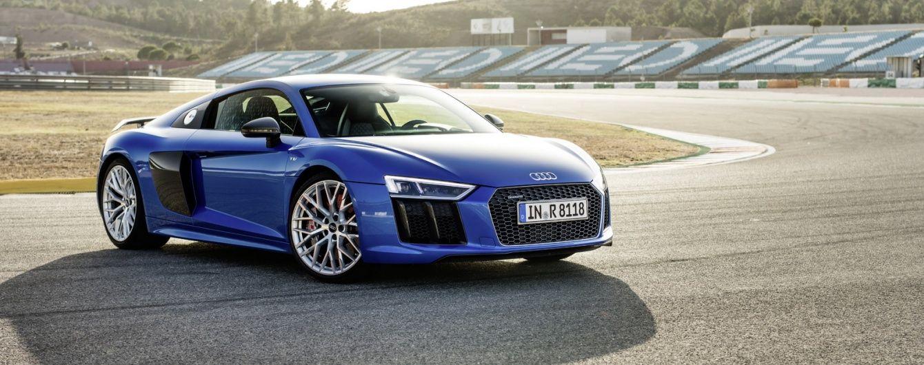 Спорткары Audi R8 отзывают из-за риска возгорания во время движения