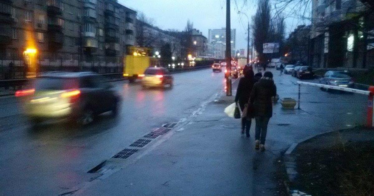 Скоростной трамвай остановился из-за обрыва контактной сети @ ТСН.ua