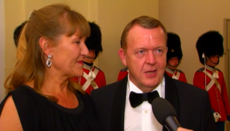 Премьер-министр Дании раз в неделю обсуждает с королевой политические вопросы