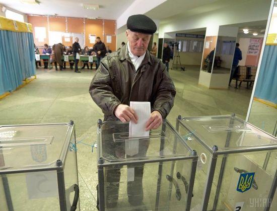 Зеленського українці підтримують найбільше, за ним одразу Порошенко та Тимошенко – рейтинг SOCIS