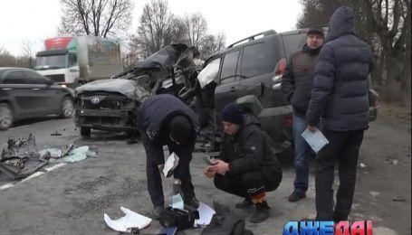 В Винницкой области дорогу не поделили две Toyota