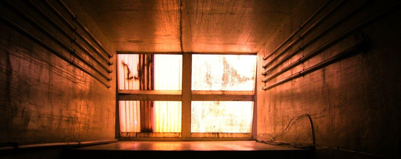 В Одесі співробітник пологового будинку розбився на смерть у шахті ліфта