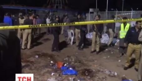 В Пакистані зростає кількість жертв недільного теракту