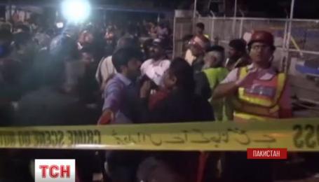 В Пакистане возросло число жертв воскресного теракта
