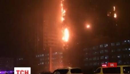 В ОАЭ занялся небоскреб