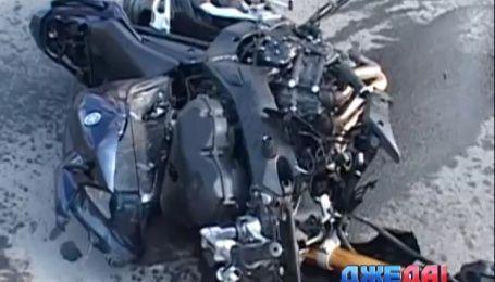 Подборка аварий с дорог Украины. В Харькове Peugeot буквально раздавил ВАЗ
