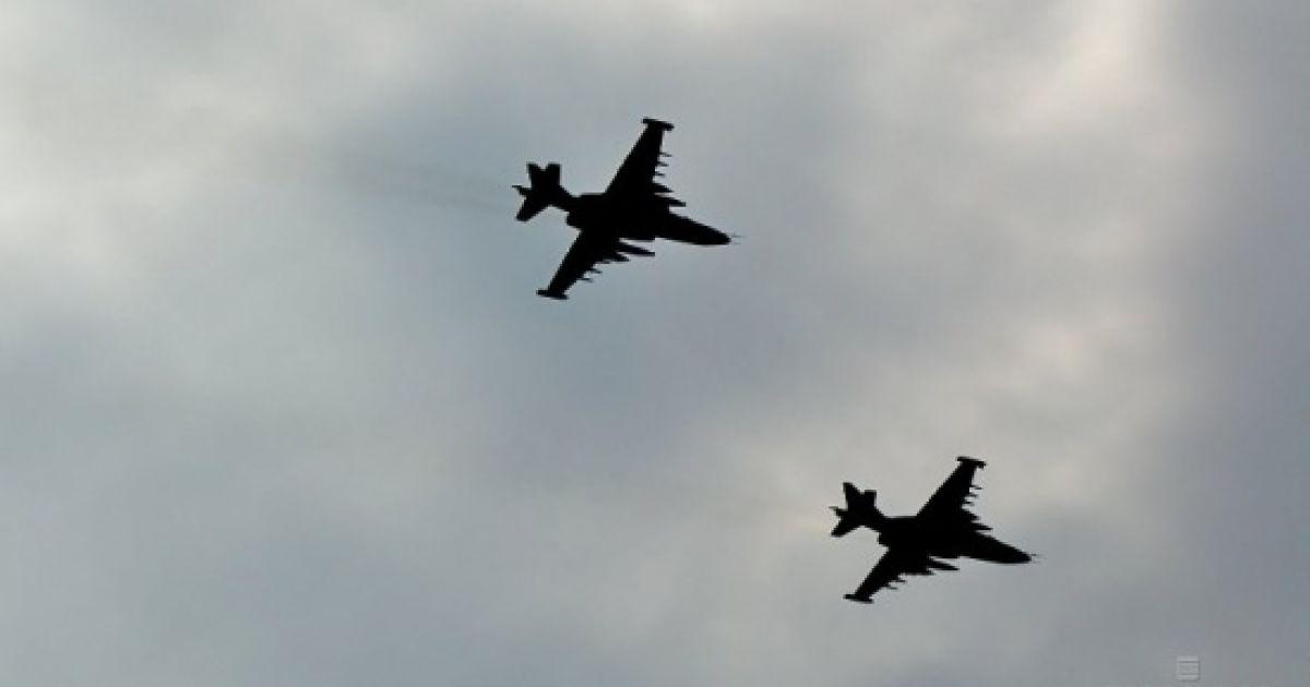 В соцсетях появилось видео падения сбитого Су-25 в Сирии