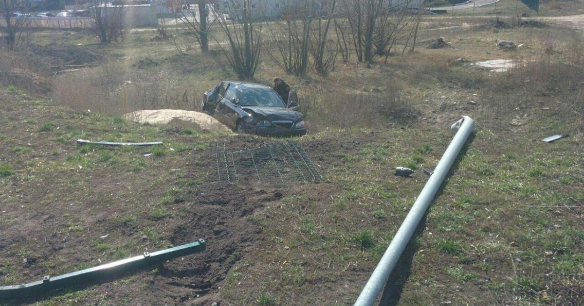 В Киеве полиция задержала водителя, который выпил бутылку водки на месте ДТП